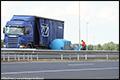 Vrachtwagen verliest vaten op de A50 bij Veghel [+foto]