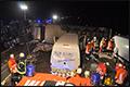 Drie ernstig gewonden na kantelen vrachtwagen [+foto's]