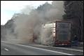 Vrachtwagen met varkens in brand op A67 bij Someren [+foto]