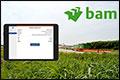 Chauffeurs wegen met iPad op project van Bam Infra