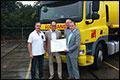 Bakker Bedrijfswagens overhandigt klanttevredenheidsmeeting 2014 prijs aan Ecotrans B.V.