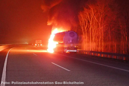 Bulkwagen in brand op Duitse A61 [+foto]