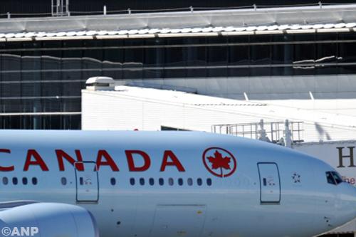 Vliegtuig maakt noodlanding door turbulentie [+foto's]