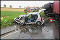 Automobiliste overlijdt na botsing met vrachtwagen [+foto]