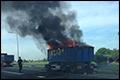 A27 bij Meerkerk dicht om brandende aanhanger [+foto]