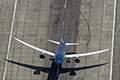 Boeing 787-9 Dreamliner stijgt praktisch verticaal op [+foto en video]