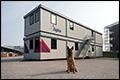 Unit van Portakabin voor explosievenhonden op Schiphol