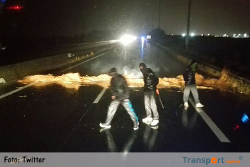 Dode bij vechtpartij migranten op A16 Calais