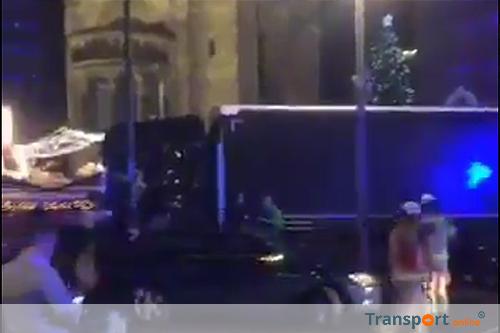 Aanslag Berlijn op beelden autocamera [+video]