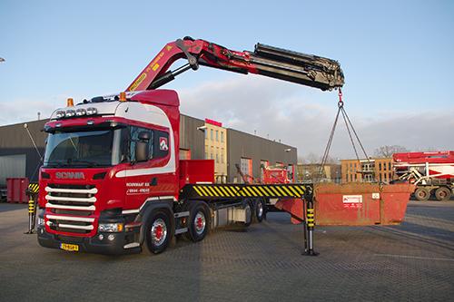 Nieuwe Scania 8x4 kraanwagen voor Rouwmaat