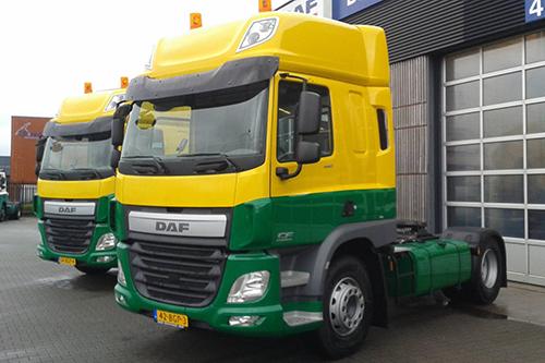 Twee nieuwe Daf FT CF voor twee transporteurs uit Ruinerwold