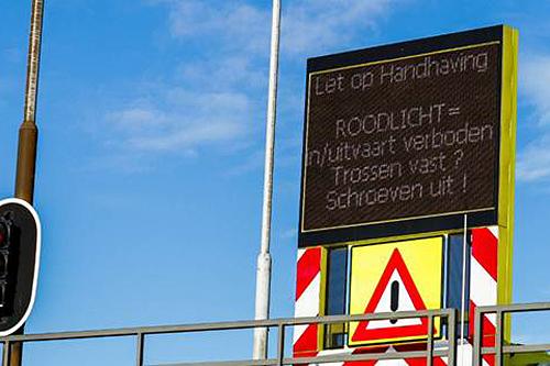 Schippers bij sluizen Zeeland geattendeerd op regels