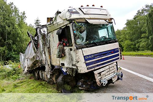 Lange file op A67 bij Belgische grens door ongeval met vrachtwagen [+foto]