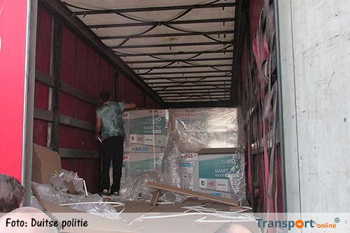 Ladingdieven stelen 120 dure flatscreen televisies uit vrachtwagen [+foto's]