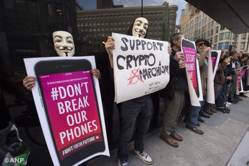 FBI biedt politie VS hulp bij kraken iPhones