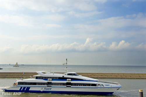 Minder boten van en naar Vlieland door wind