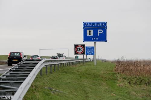Afsluitdijk (A7) naar Friesland enkele uren afgesloten [+foto]