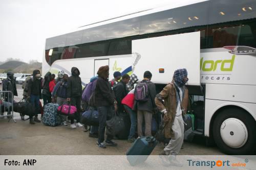Calais begint na onrustige nacht aan tweede dag van ontruiming [+video]