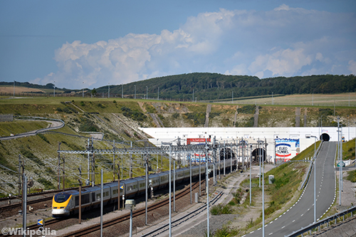 Treinverkeer in Kanaaltunnel stilgelegd