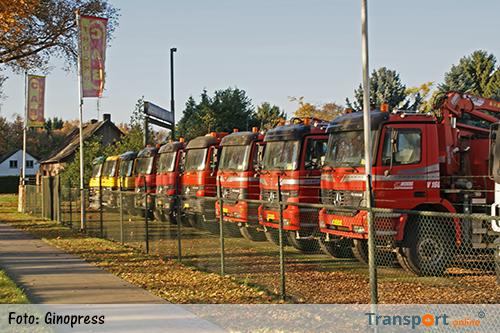 Politie en douane doen inval bij C.A.B. Trucks in Weert [+foto's]