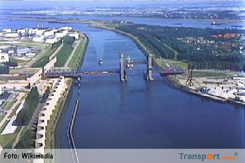 Slimme ligplaatsen voor binnenvaart Calandkanaal gereed