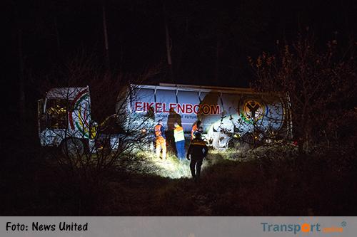 Vrachtwagen van de weg langs A28 [+foto]