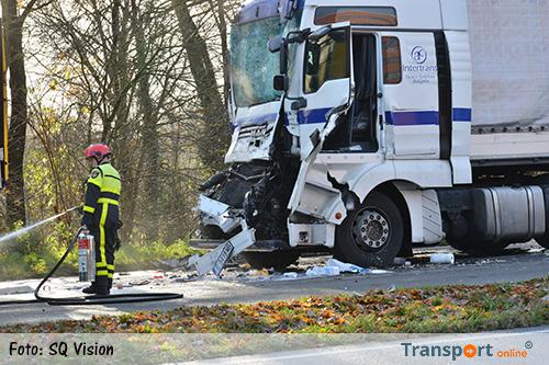 Ongeval met meerdere vrachtwagens en een personenauto in Breda [+foto's]