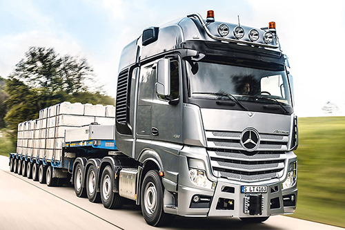 Daimler verkoopt veel meer vrachtwagens