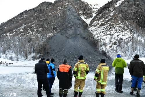 Bergdorp Vals in Tirol van buitenwereld afgesloten