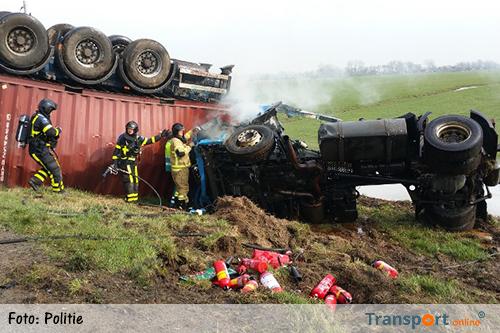 Politie trots op helpende weggebruikers bij vrachtwagenongeval A27