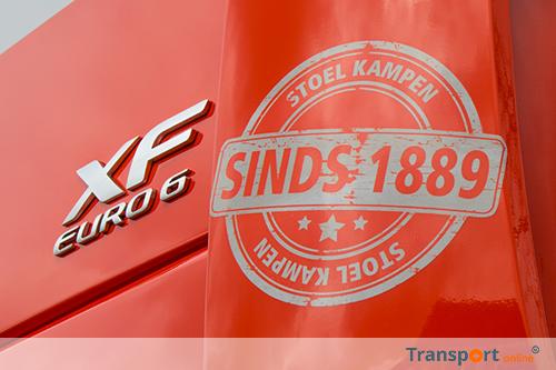 Drie nieuwe DAF XF460 Super Space Cab trekkers voor Stoel Transport Kampen