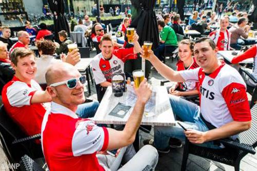 Veel animo Feyenoord-Heracles op schermen