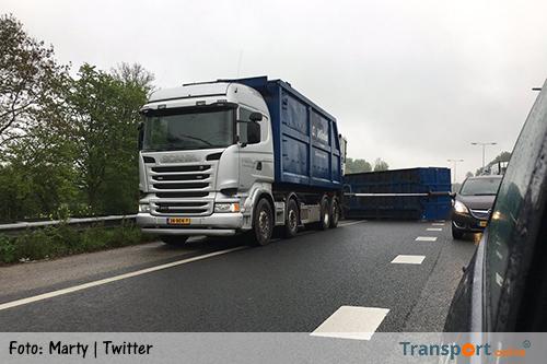 Aanhanger vrachtwagen gekanteld op N3 [+foto's]