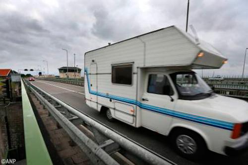 Vlaanderen blundert met verplichte campersticker