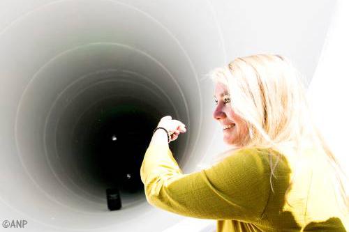 Schultz onderzoekt aanleg hyperloop Nederland