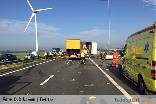 Aanrijding met vrachtwagens op A15 [+foto's]