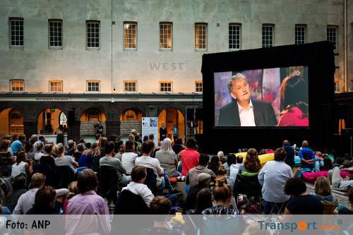 Eberhard van der Laan: ik blijf nog een poosje