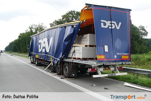 Vrachtwagenchauffeur rijdt 'collega' met pech aan en rijdt door [+foto's]