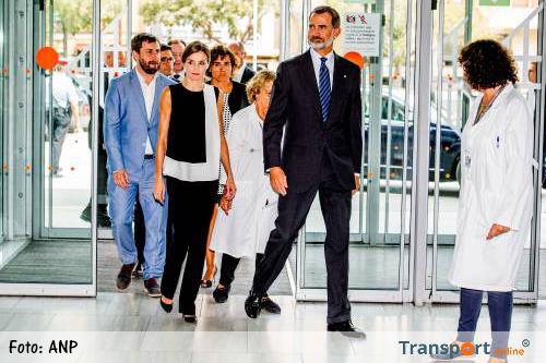 Spaanse koning Felipe bezoekt slachtoffers aanslag