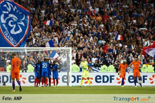 Oranje buigt diep voor Frankrijk