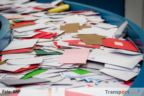 Meer pakjes, minder brieven verstuurd