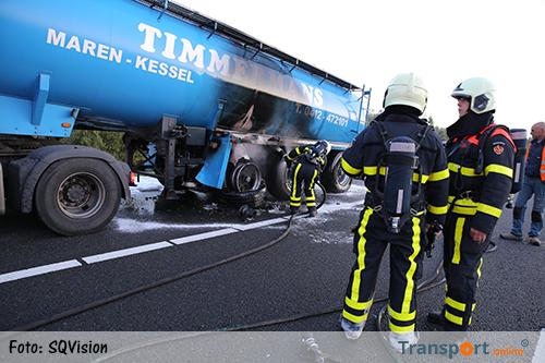 Tankwagen vat vlam op A17 [+foto]