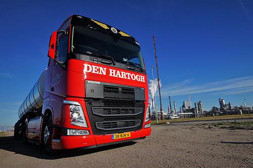 Honderd Volvo's FH 460 voor Den Hartogh Logistics