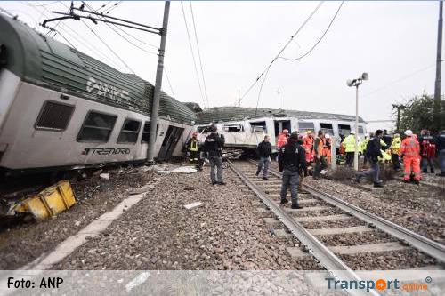 Trein ontspoord in Italiaanse Seggiano di Pioltello [+foto's]