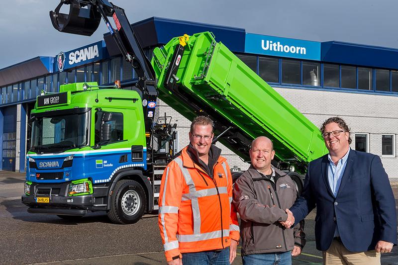 AW Groep neemt eerste Scania in Nederland met hybride kraan en laadbak in gebruik