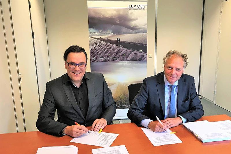 Port of Harlingen en Levvel ondertekenen huurovereenkomst voor 10 ha voor rijksproject Afsluitdijk