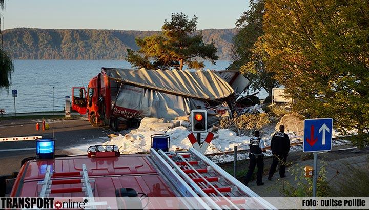 Trein ramt vrachtwagen in Duitse Sipplingen [+foto's]