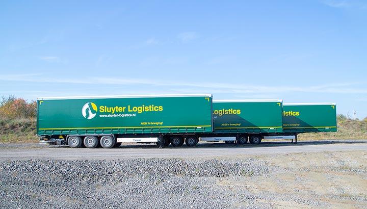 Zes Krone Profiliner trailers voor Sluyter Logistics