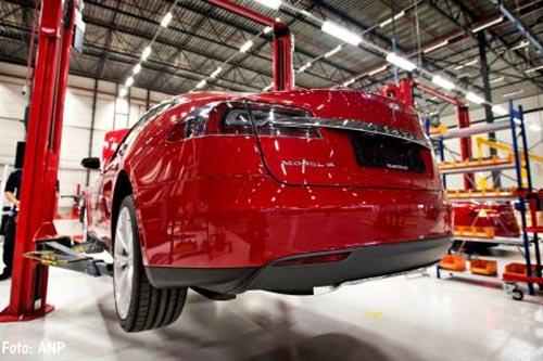 Tesla voert autoproductie flink op