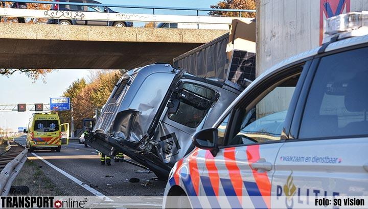 Ernstig ongeval met meerdere vrachtwagens op A58 [+foto's&video]